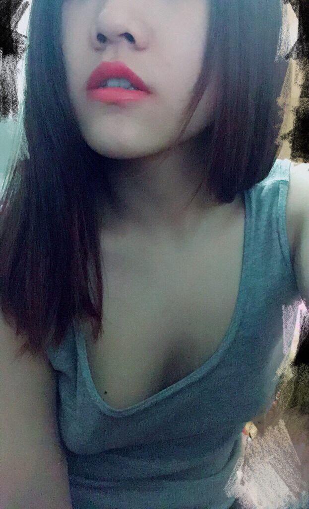 天蠍座好色女孩 放假在家瘋狂自慰 搞得自己不要不要的 LINE:199fire  JKF娛樂會館台北茶莊